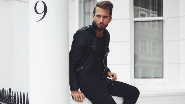 Dit zijn de stijlvolste all-black outfits voor de man