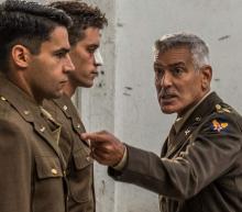 George Clooney speelt een krachtige militair in de oorlog serie Catch-22