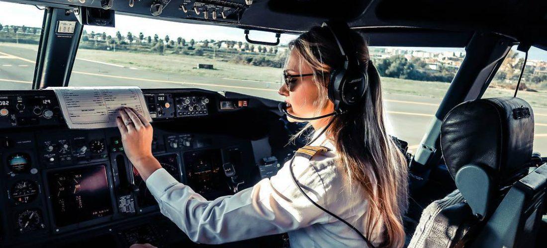 De lucht in met Nederlands meest sexy pilote: Michelle Gooris