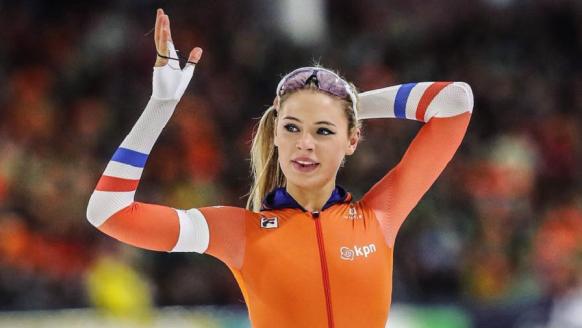 Maak kennis met de mooiste schaatsster van Nederland: Jutta Leerdam