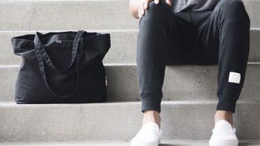 Twintig manieren om witte sneakers te rocken