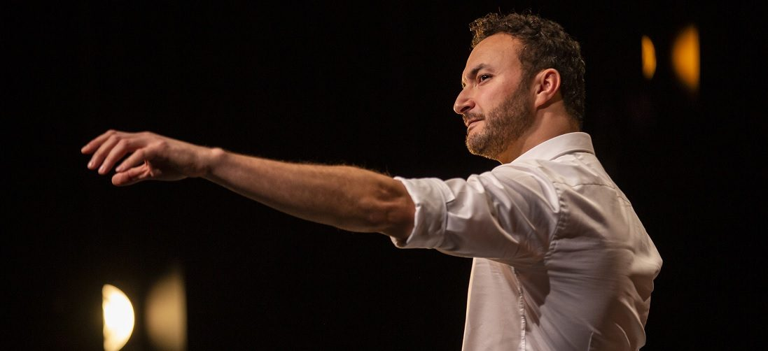 Deze zondag: de inspirerende voorstelling 'Ja!' van Nasrdin Dchar