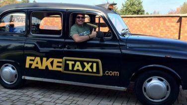Voor dit bedrag werd de originele Fake Taxi via Ebay verkocht