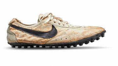 Veilingrecord: dit paar sneakers werd verkocht voor 437.500 (!) dollar