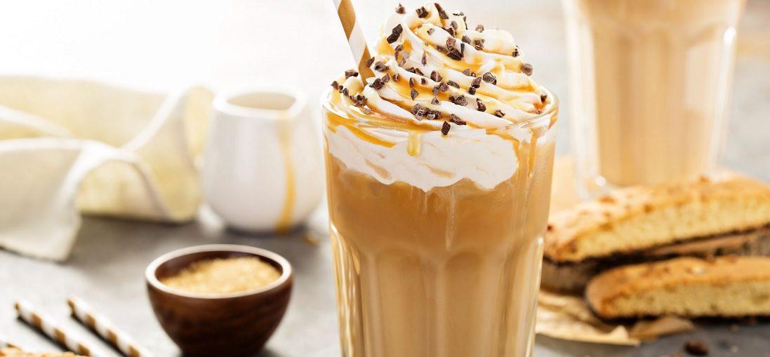 Zo maak je de 5 lekkerste ijskoffies voor de hete zomerdagen