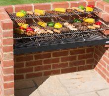 Voor de echte man: zo bouw jij een eigen stenen BBQ in je achtertuin