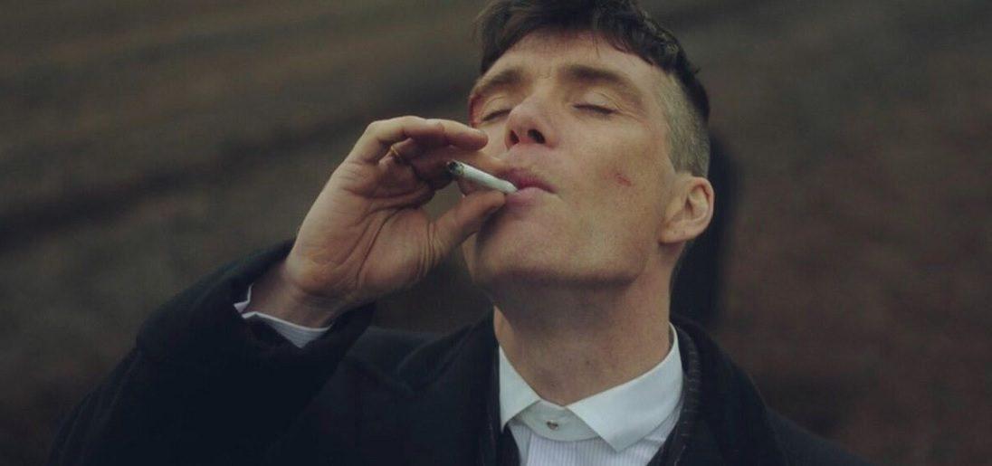 Zo veel moet Cillian Murphy roken in één seizoen Peaky Blinders