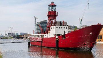 In deze boot schuilt de meest exclusieve woning van Amsterdam