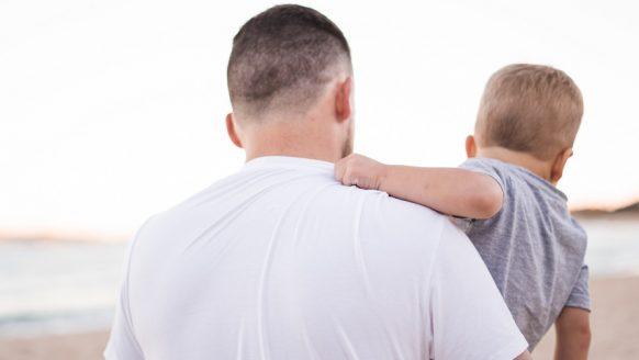 13 korte, stoere jongensnamen (+betekenis) voor jouw kleine ventje