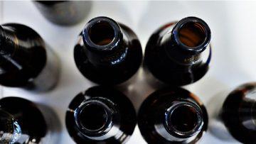 Een fles bier of wijn openen doe je zo