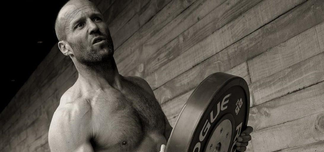 Het heftige 7-daagse workout schema van de 51-jarige Jason Statham