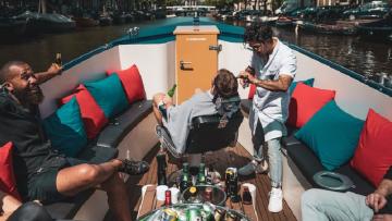 The Barber Boat: de ultieme ervaring voor een boottocht in Amsterdam