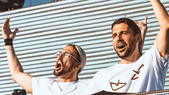 Dimitri Vegas & Like Mike lanceren track is met de geluiden van de Red Bull Racewagen