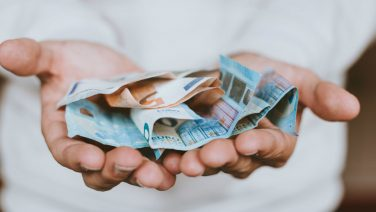 Geld besparen: in vier tips een stevig financiële reserve opbouwen