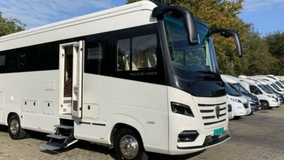 De Morelo Palace Liner 95GB Smart Garage is de duurste camper op Marktplaats