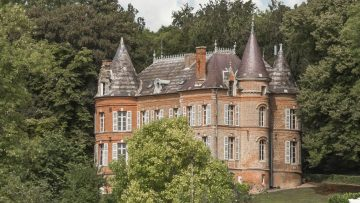 Dit Franse kasteel staat te koop voor de prijs van een Amsterdams pand
