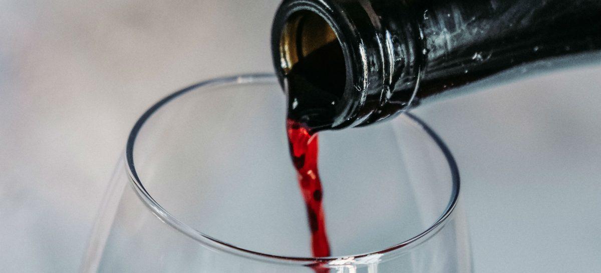 Dit zijn de beste witte en rode wijnen in de supermarkten