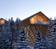Deze luxe 7-sterren boomhutten in Oostenrijk geven jou de beste wintersport ooit
