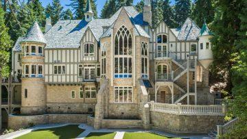 Jij kan nu met 21 vrienden dit enorme kasteel huren voor 100 euro per nacht