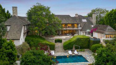 De voormalige woning van Jennifer Aniston en Brad Pitt staat nu te koop