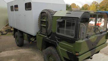 Unieke kans voor een DIY-project: deze leger vrachtwagen occasion staat nu te koop