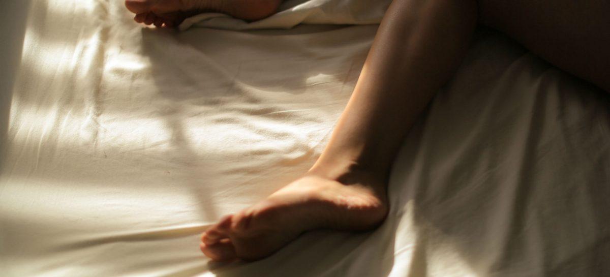 Slow seks: zo bevredig je haar als nooit tevoren