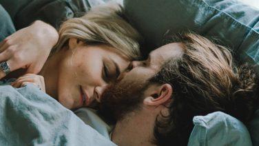 In slaap vallen na de seks: kunnen wij mannen er iets aan doen?