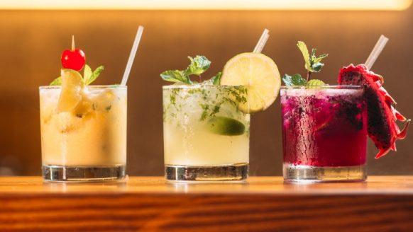 5 frisse cocktail recepten om thuis de lente te vieren