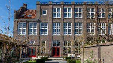 Te koop op Funda: voormalige jongensschool omgetoverd tot tofste woning in Eindhoven