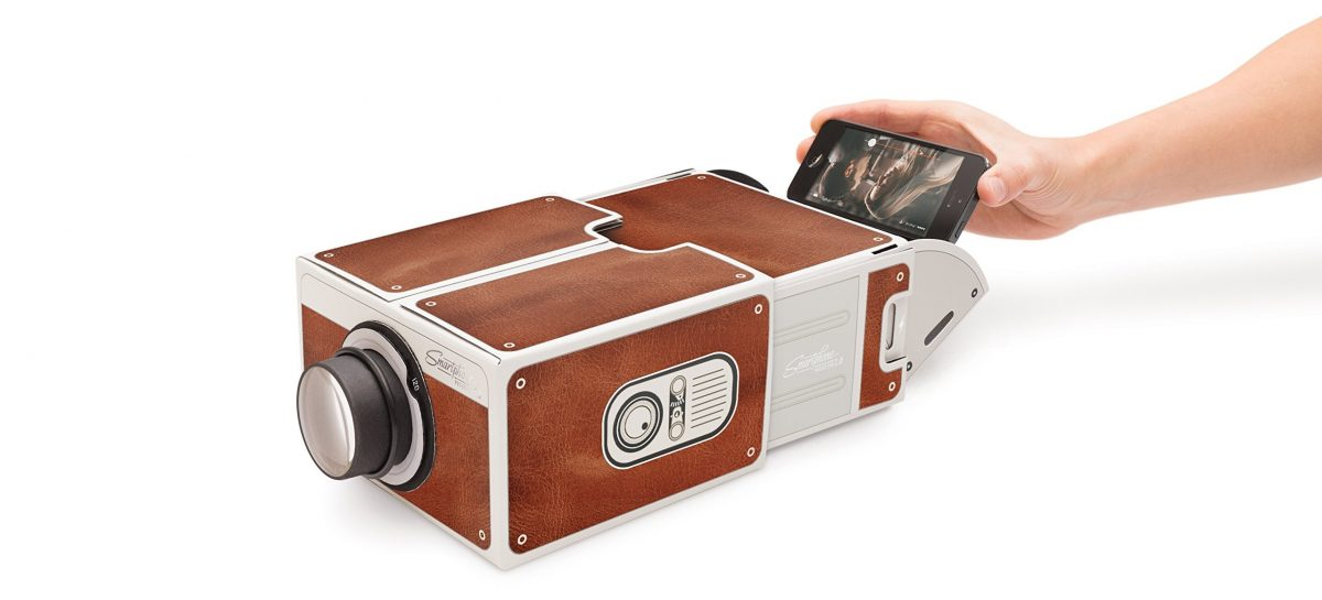 Nu te koop voor een prikkie: smartphone-projector voor jouw thuisbioscoop