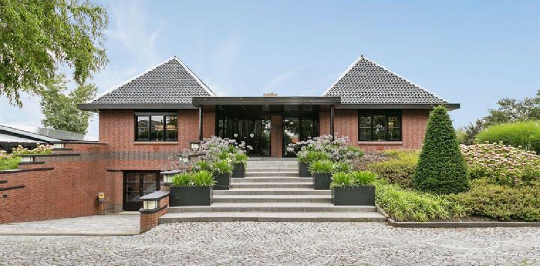 Eén van de leipste landhuizen van Nederland staat nu te koop op Funda