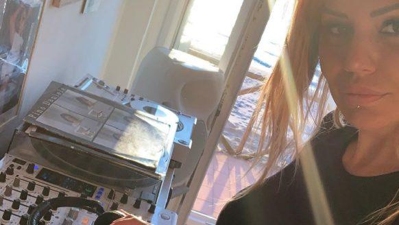 De 5 knapste vrouwelijke techno DJ's