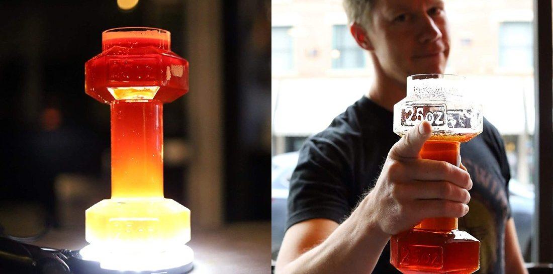 Met het Dumbbell Beer Glass wordt jouw work-out stukken gezelliger