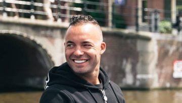 Zoveel verdient oud-voetballer Demy de Zeeuw met zijn kledingmerk