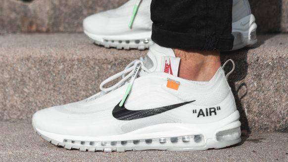 10 paar witte Nike sneakers voor de zomer