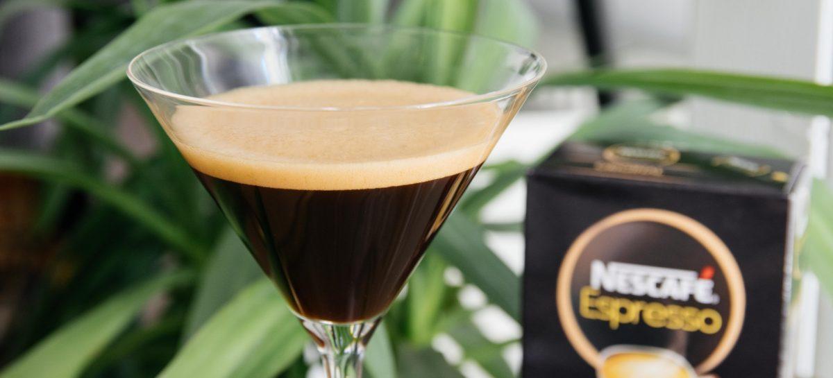 3 lekkere ijskoffies die je thuis kan maken zonder koffiezetapparaat