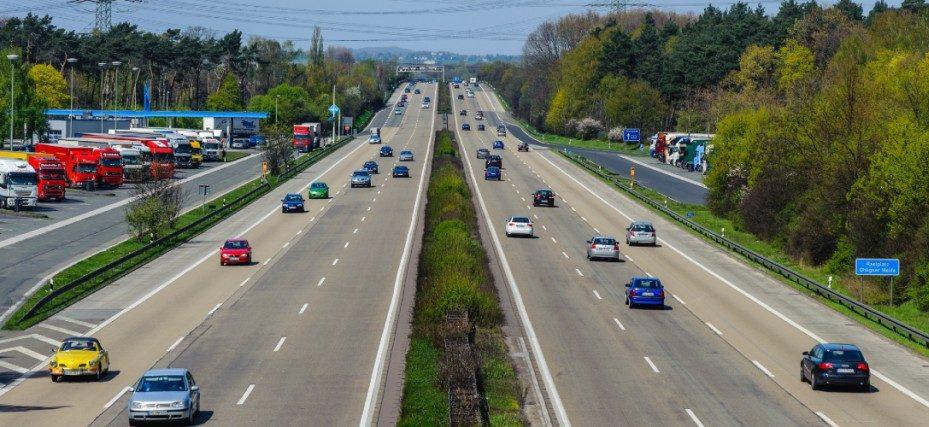 Onderzoek bevestigt dat de switch naar 100 km/h rijden nergens op slaat
