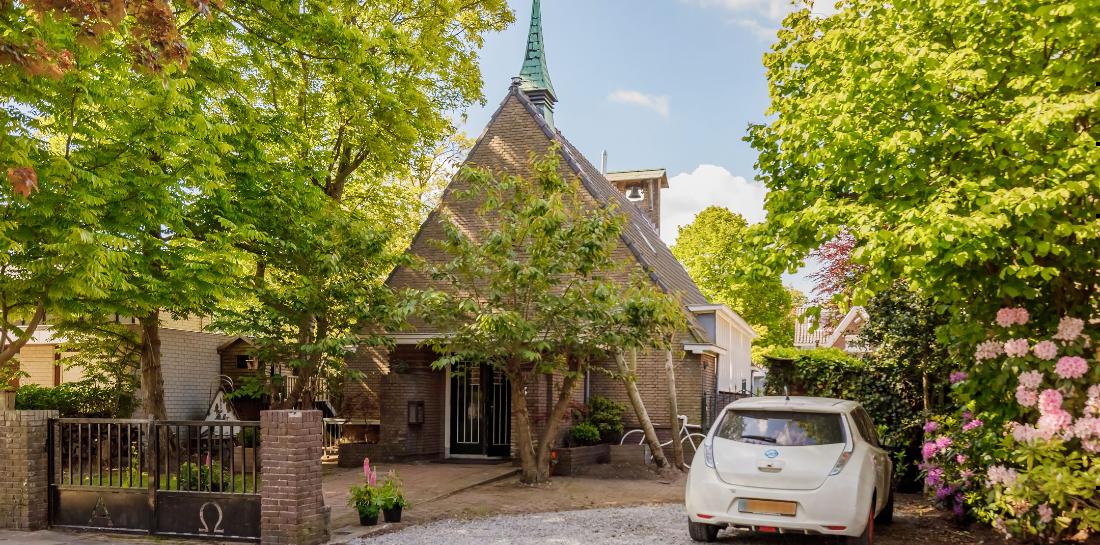Te koop op Funda: deze omgebouwde kerk is een parel vanbinnen