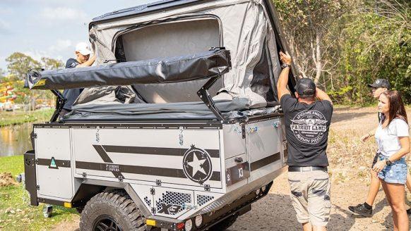 De X3 aanhanger tover je in een handomdraai om tot een wrede off-road camper