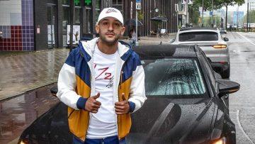 Hakim Ziyech koopt nieuwe auto van ruim 3 ton