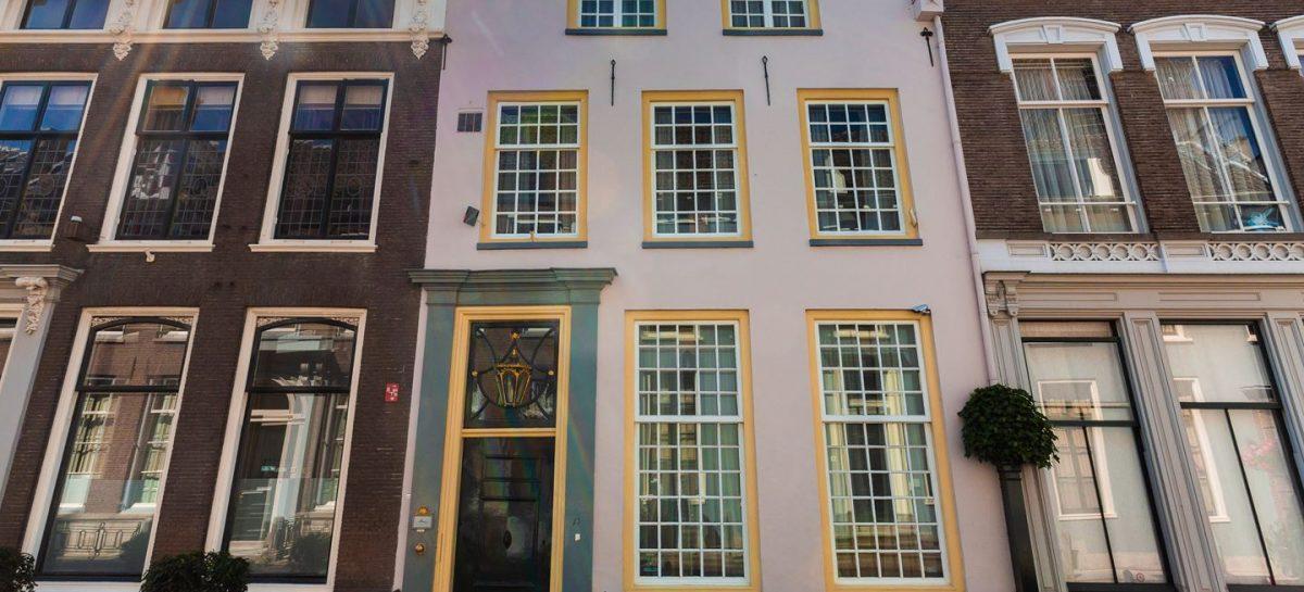 Dit rijtjeshuis in Utrecht is vanbinnen een verborgen historisch paleis