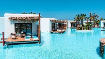 Deze Griekse bungalows op het water is een goedkoop alternatief van een vakantie naar de Malediven