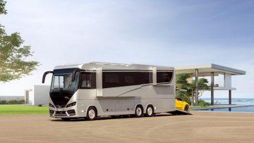 Deze luxe Mercedes camper heeft een ingebouwde XXL garage