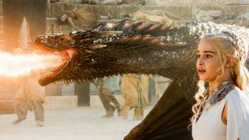 Emilia Clarke heeft een bizarre theorie over het lichaam van Daenerys in Game of Thrones einde