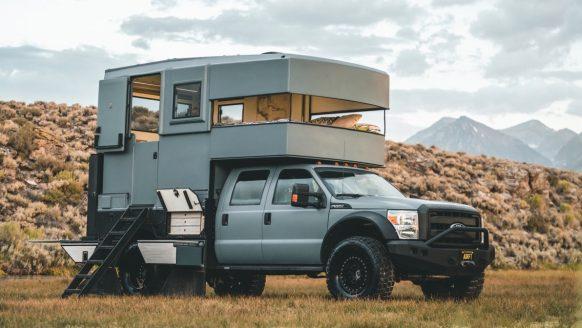 Deze Ford F550 werd omgebouwd tot ultra luxe camper op zonne-energie