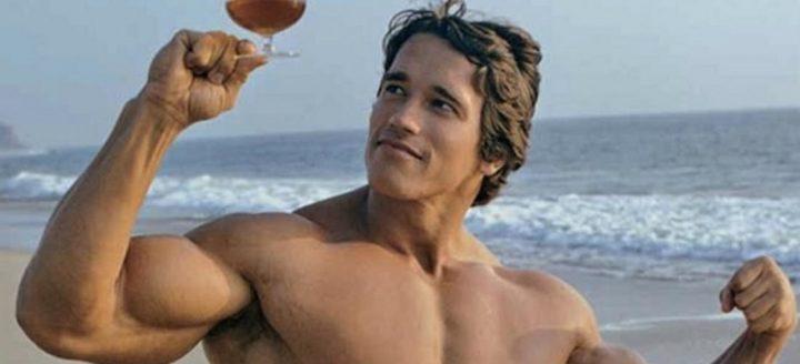 hoeveel eiwitten per dag om spieren op te bouwen