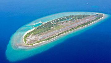 Dit prachtige Maldiven-eiland met luxe resort én vliegveld staat nu te koop