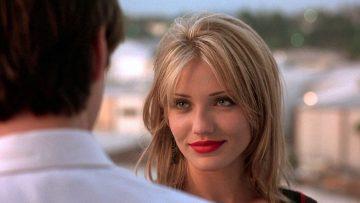 5 subtiele signalen dat een vrouw zich aangetrokken tot je voelt