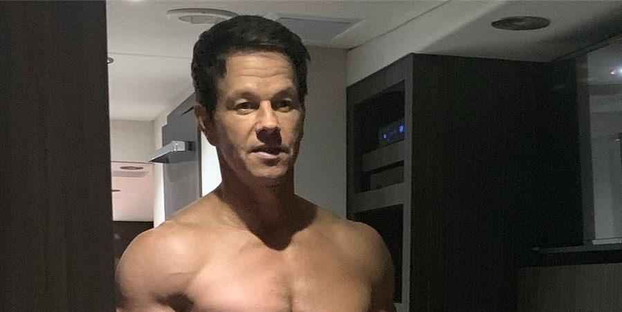 Mark Wahlberg showt op Instagram hoe bizar gespierd hij is voor een man van zijn leeftijd