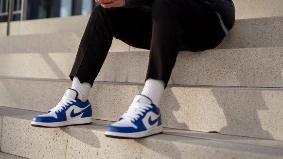 Lifehack: zo haal je kreukels uit je leren schoenen
